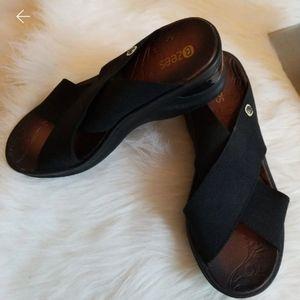 Bzees Desire wedge sandal 7.5